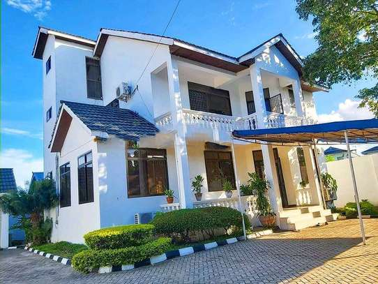 4 bedrooms house at masaki image 1