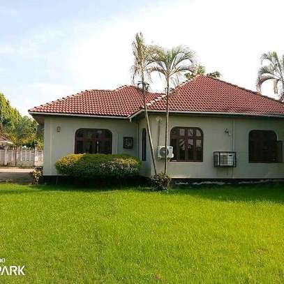 House for rent at Bahari beach image 4