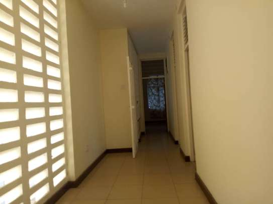 5bed room house with big compound at ada estate $1500 image 7