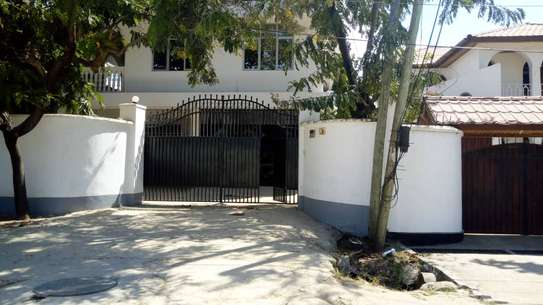 10 Bedrooms Furnished Property in Mikocheni B image 4