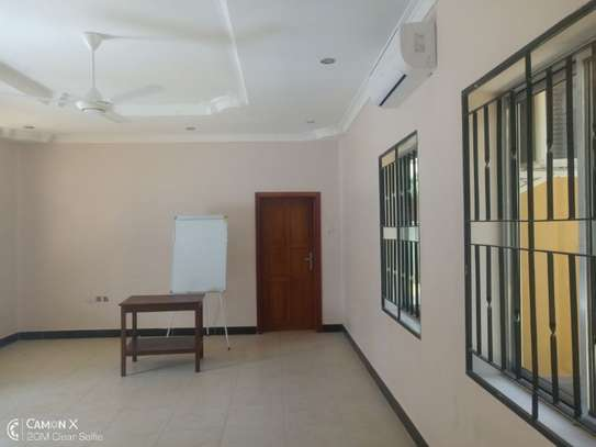 4bed house at oyster bay with big compound $3500pm image 3