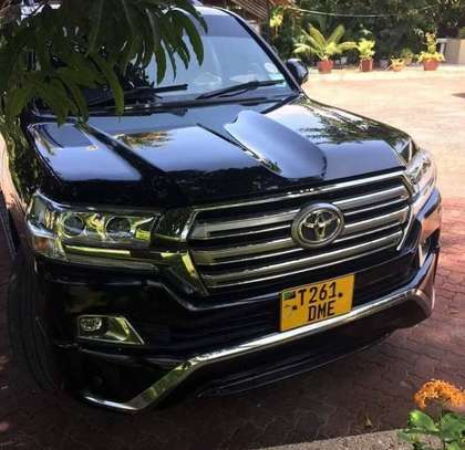 2018 Toyota Land Cruiser VX V8
