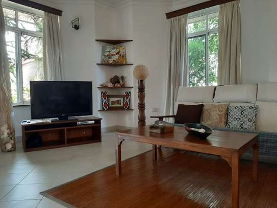 2 Bedrooms Home In Oysterbay For Rent image 11