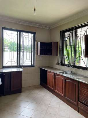 4 bed room house for  rent at mbezi beach maguruwe image 9