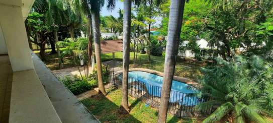 a 5bedrooms BUNGALOW  alongside the beach in OYSTERBAY is now available for SALE image 4