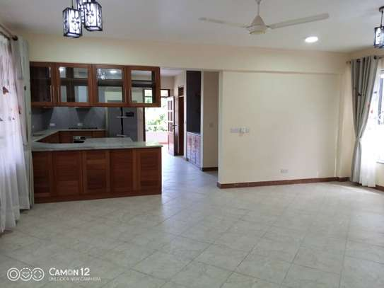 4 bed room brand new with pool for rent $3000pm at oyster bay dar image 7