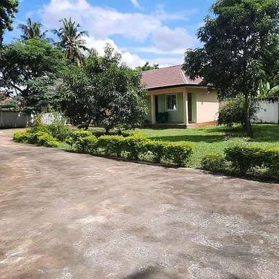 a 4bedrooms standalone in mbezi beach few metres away from the beach is now available for rent image 3