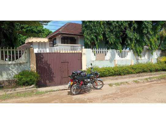 4bed house at mbezi beach tsh 1,000,000 image 7