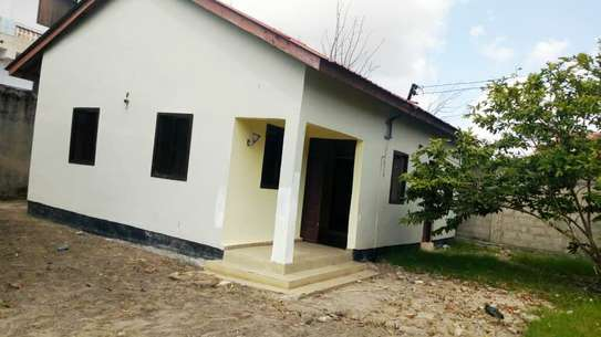 3 BEDROOM STAND ALONE HOUSE FOR RENT IN KIGAMBONI image 1
