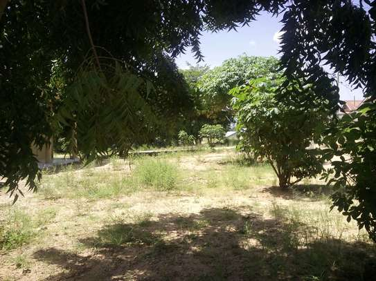 1890SQM Plot with Title Dee going cheap at Kitopeni Bagamoyo image 1