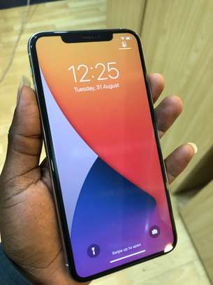 iPhone 11 Pro Max 256GB Silver for sale image 6