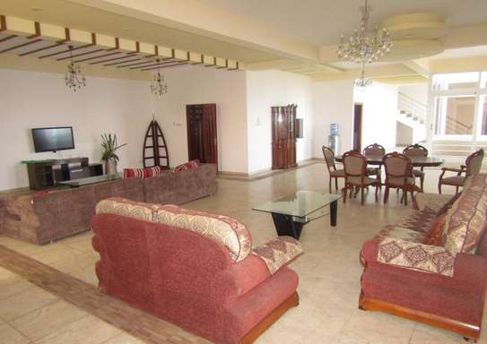 3 & 4 En Suite Bedroom Full Furnished Pent House in Upanga