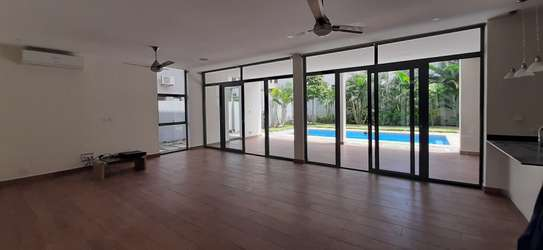 4 Bedrooms Compound House With Private Pool For Rent in Oysterbay image 10