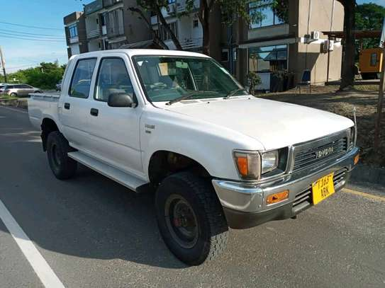 1996 Toyota Hilux image 8