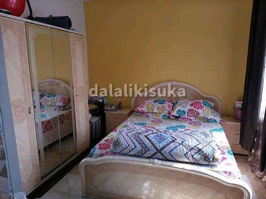 One bdrm and sitting room FURNISHED apart for rent at KINONDONI image 2