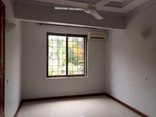 4bed house along main rd kawe beach $1300pm i deal for office cum residance image 7