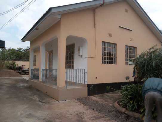 3BEDROOM HOUSE FOR RENT AT NJIRO- ARUSHA image 1