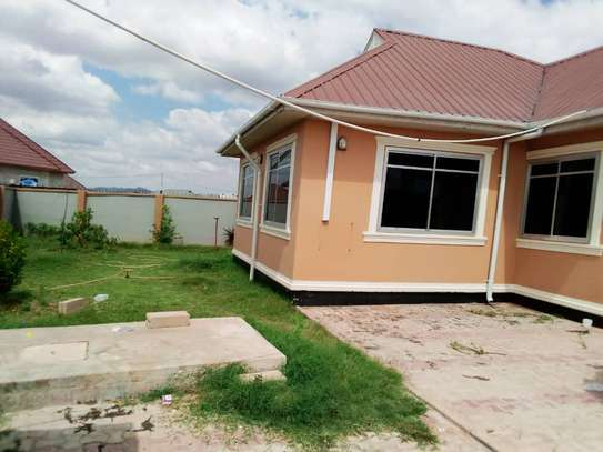 4 BEDROOMS HOUSE FOR RENT IN IPAGALA- DODOMA image 2
