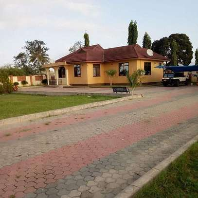 4 bedrooms house at mbweni