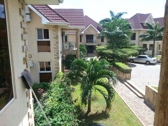 4 bedrooms Villa in Gated Compound In Oysterbay For Rent image 8