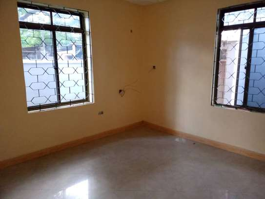4 bed room , 3 all ensuite for rent at moroko image 8