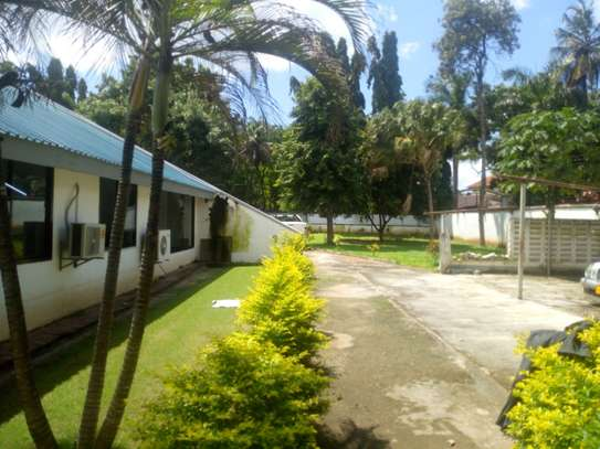 4bedroom house in Ada estate to let $1500