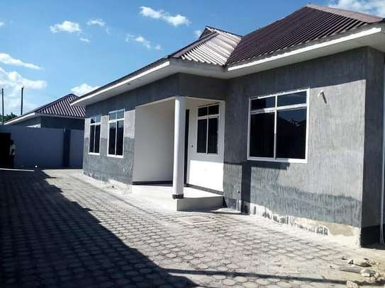 3 bed all ensuite house for rent at bunju image 1