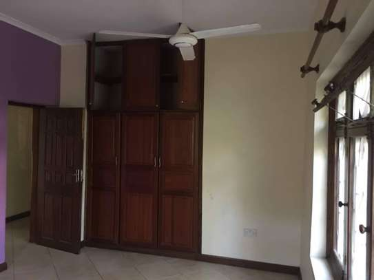 4 bed room house for rent at oyster bay $1500pm image 8
