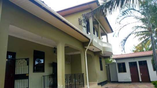 3 BEDROOM APARTMENT FOR RENT IN KIGAMBONI