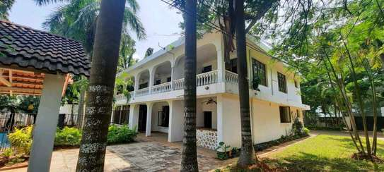 a 5bedrooms  BUNGALOW  is now available for SALE at OYSTERBAY few metres away from the ocean image 5