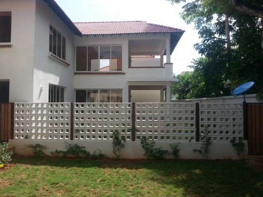 Top Range 4 Bedrooms Home In Gated Compound For Rent In Oysterbay
