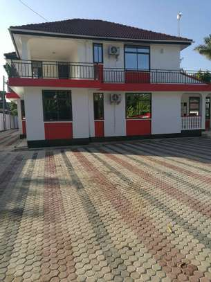 4 bed room house for rent at mikocheni b ideal for office image 1