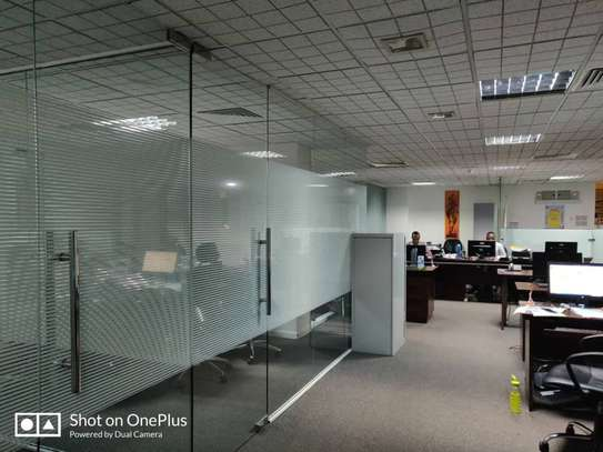 Office to let image 7