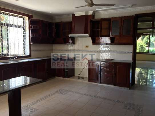 4 Bdrm Standalone Spacious House in Masaki image 3