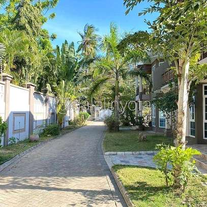 3 BDRM VILLA AT KAWE BEACH image 9