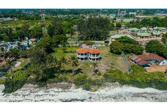 beach and 3 bed room house for sale at ununio image 5