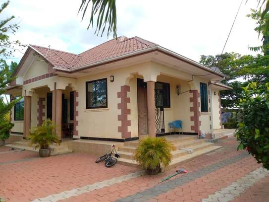 4 bed room all ensuite house for rent at salasala image 1