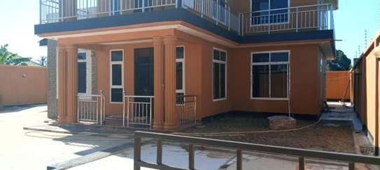 4bed house all ensuet for sale at kigamboni kibada image 5