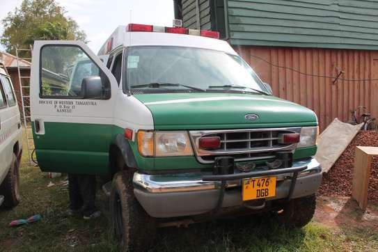 2002 Ford Ambulance