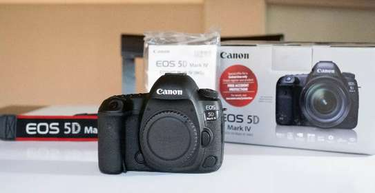 New Canon 5D Mark iv