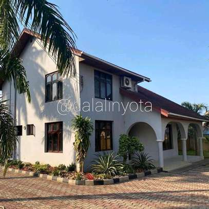 4 BEDROOMS STAND ALONE AT MBEZI BEACH image 1