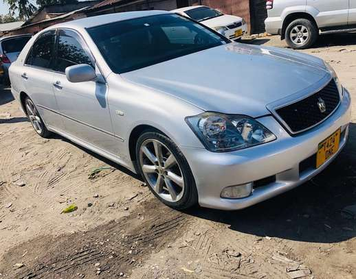 2006 Toyota Crown Athlete image 1