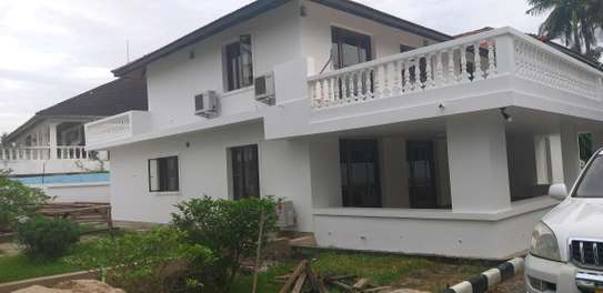 5BEDROOMS OFFICE HOUSE 4RENT AT ADA ESTATE
