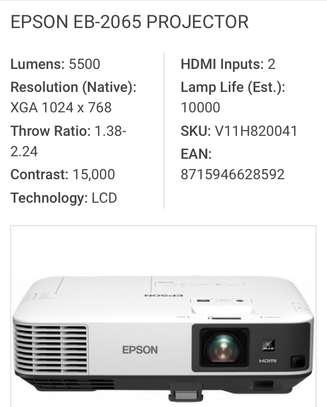 EPSON EB-2065 PROJECTOR WITH 5500 LUMENS XGA 1024 x 768 RESOLUTION image 2