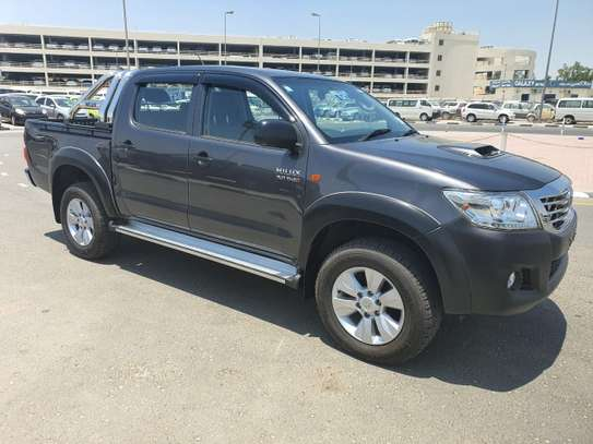 2014 Toyota Hilux image 2