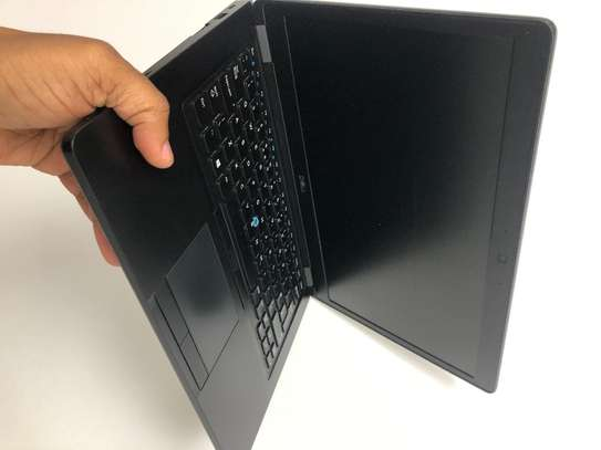 Dell Laptop image 4