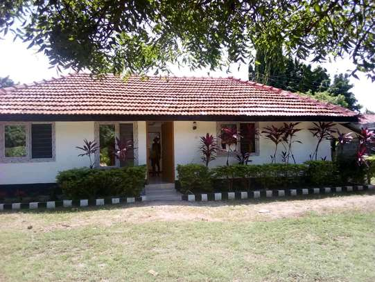 2 Bedroom House For Rent in Oyster by.