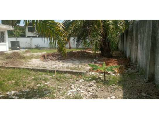 4bed house  wit big compound at mikocheni a $800pm i deal for office image 4