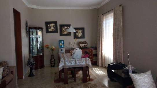 2bed  villa at oyster bay $1500pm near coco beach image 3