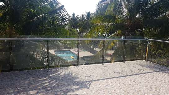 KIGAMBONI BEACH MANSION CLOSE TO FERRY FOR RENT IDEAL FOR DIPLOMATS AND EXECUTIVES image 2